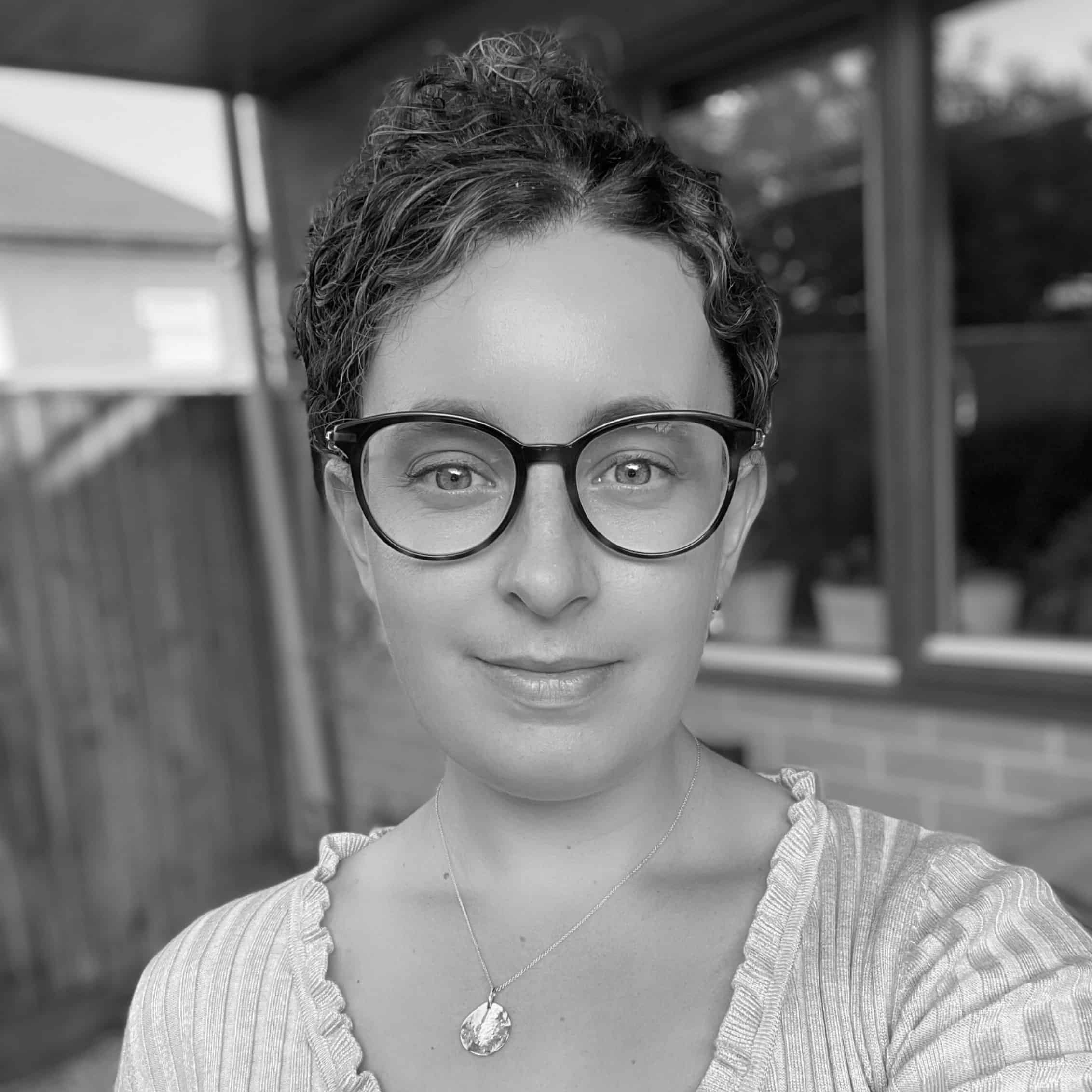 Hannah Morris Headshot - IMD Consultant